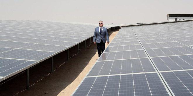 Épül a világ legnagyobb napelemfarmja