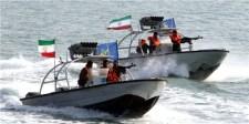 Az Iráni Forradalmi Gárda kommandósai kötélen ereszkedtek le a brit kőolajszállító-hajóra a Perzsa-öbölben