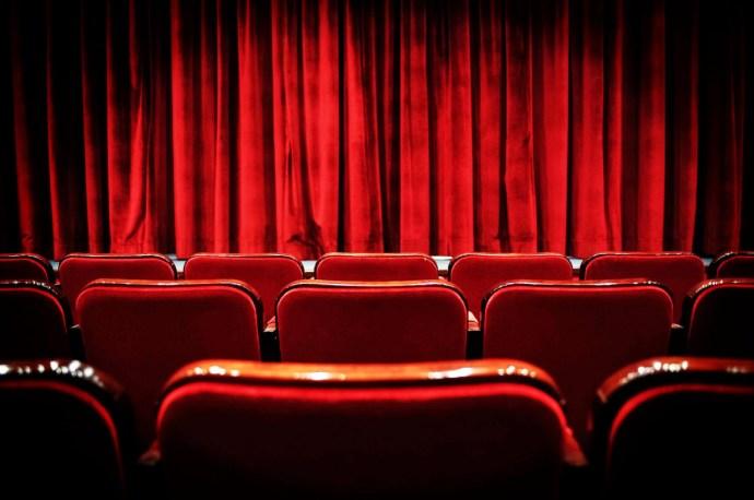 Dagad az újabb színházi botrány