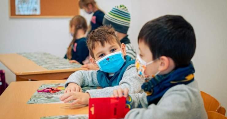 Romániában ötven helyszínen indul szeptember végétől a délutáni oktatási program