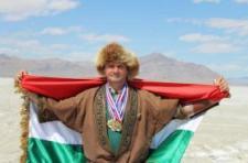 Hat világcsúcsot állított fel három nap alatt Mónus József