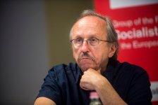 Niedermüller is üzenetet kapott: zsidónak nem nevezték, csak kommunistának, de ő azért kiegészítette