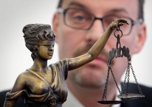 Vádemelési javaslatot tettek Dobroslav Trnka volt főügyész ügyében