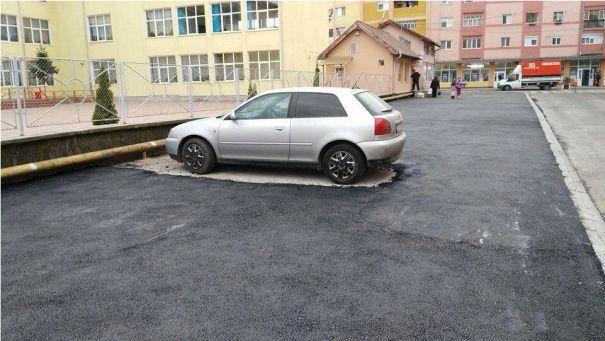 A román Mekk Mester fagyban is aszfaltoz