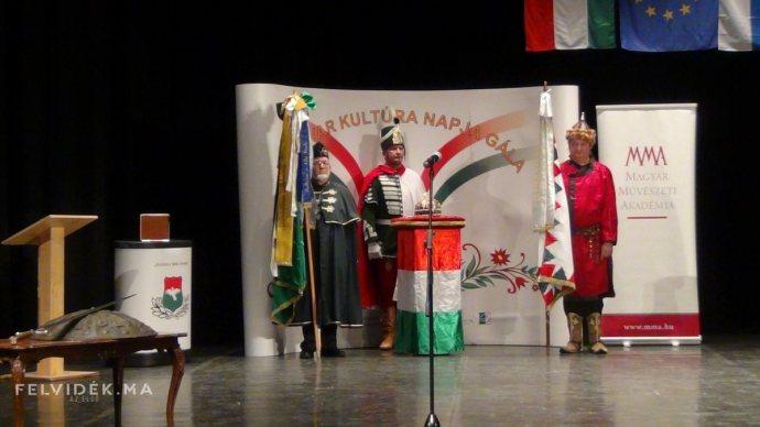 A Falvak Kultúrájáért Alapítvány idén is készül a kultúra lovagjainak kitüntetésére