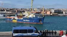 Őrizetbe vette a Sea-Watch 3 civilhajó német kapitányát az olasz rendőrség – VIDEÓ