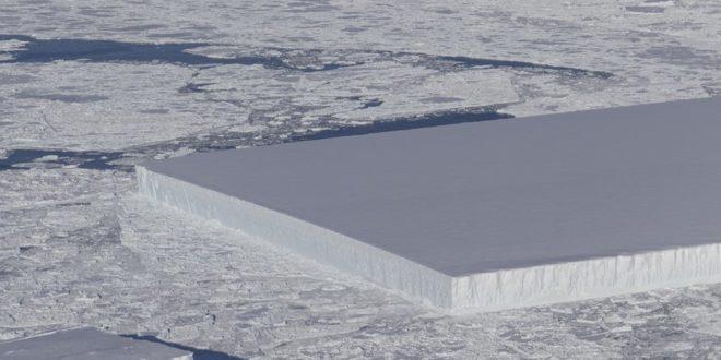 Hogy került ez a tökéletes négyszögeletes jéghegy az Antarktiszra?