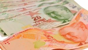 Lélegeztetőgépen a török gazdaság
