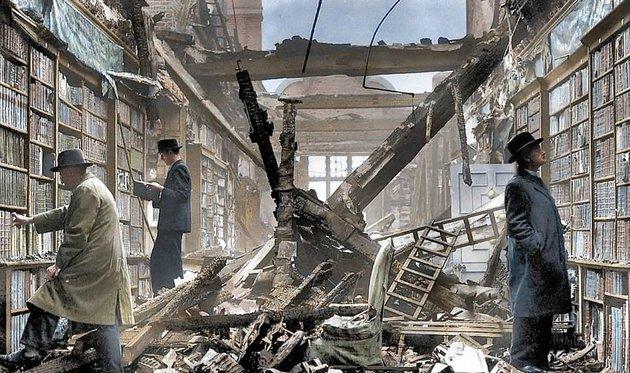 Teázás a romokon és karácsony az óvóhelyen – felkavaró színezett fotók a Blitzről