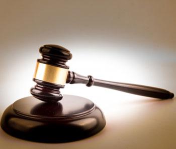 Felfüggesztett börtönt kapott a végrehajtó-helyettest életveszélyesen fenyegető férfi