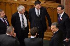 Vona Orbánnak: Állítsa le a Számvevőszéket, higgye el, jobban jár!