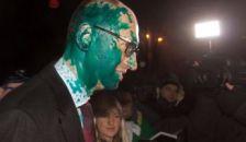 Festékkel öntötték nyakon az ellenzéki vezért