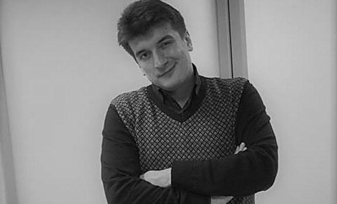 Valahogy kiesett lakása ablakán és meghalt egy orosz oknyomozó újságíró