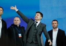 Ukrán elnökválasztás: Zelenszkij elsöprő győzelmet aratott, békét ígér a Donyec-medencében