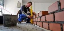 Sokat dolgoznak a magyarok, indokolt lenne a kétszer magasabb bérezés
