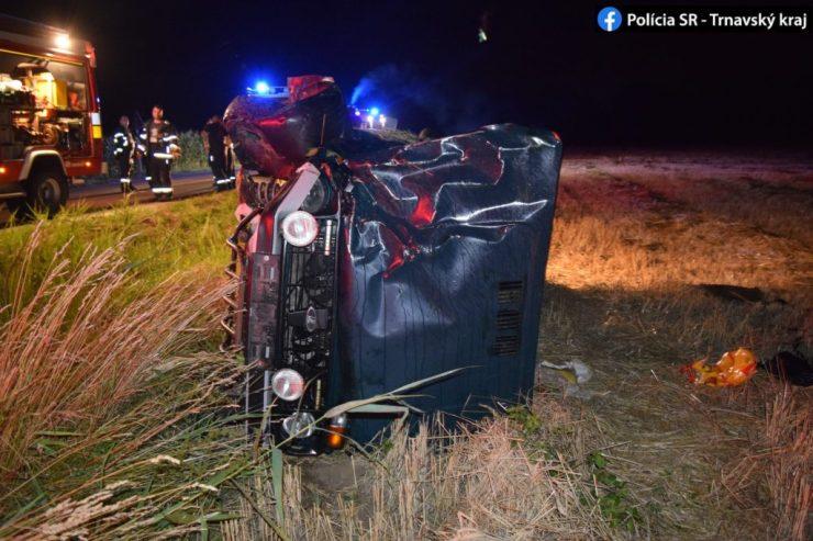 A földeken végezte kocsijával a dunaszerdahelyi nyugdíjas. 1,5 ezrelék alkohol volt a vérében (Képekkel)