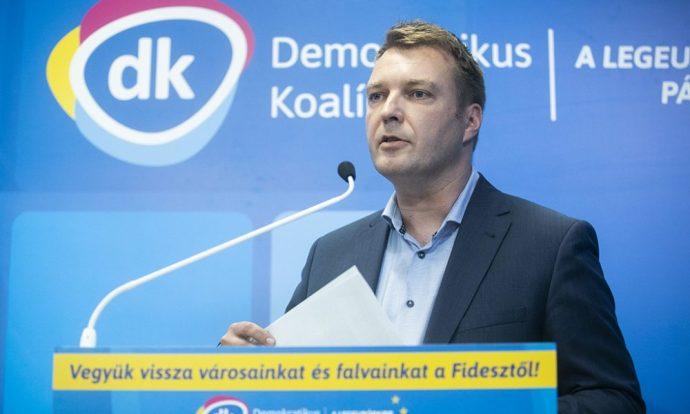 DK: A kormány állítsa le a határon túli gazdaságfejlesztési programokat!