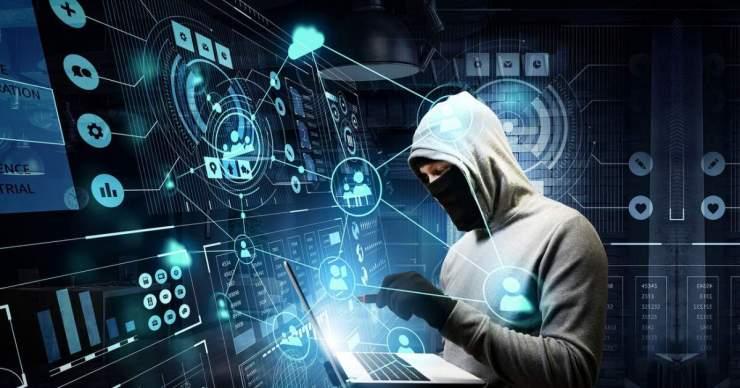 Kitoloncolták az Egyesült Államokból az egyik legismertebb orosz hackert