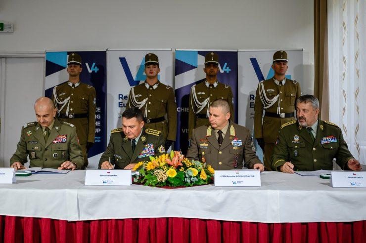 Európa biztonságáról írtak alá közös nyilatkozatot a V4-ek katonai vezetői