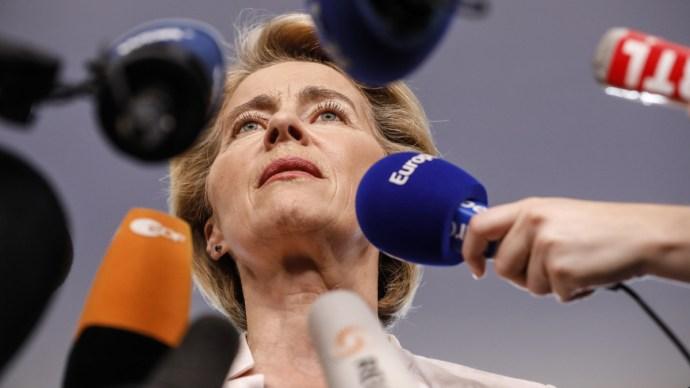 Így indokolta Ursula von der Leyen Trócsányi László jelölését
