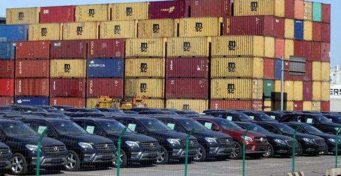 Tovább zuhan a kínai autóeladások száma