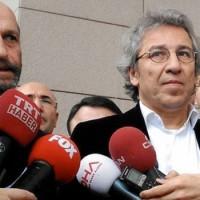 Leleplezték a török titkosszolgálat fegyvercsempészését, ezért letartóztatták őket