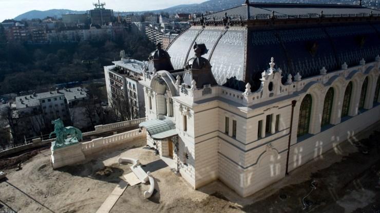 Kész a budavári Lovarda és a Csikós-udvar is, a hétvégétől meg lehet nézni