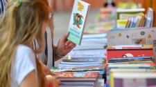 Gál Katalin: az Ünnepi Könyvhétnek nem állna jól a kordonozás