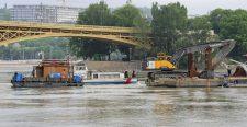 Dunai hajóbaleset – Hajómérnök: a kiemeléskor ketté is törhet a Hableány