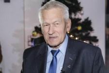 """A lengyel miniszterelnök édesapja is a zsidók célkeresztjébe került – """"az alma nem esett messze a fájától"""""""