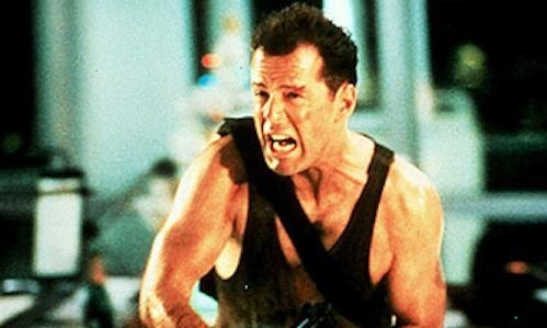 Bruce Willist meghazudtolva védte meg kocsiját a tolvajtól