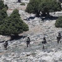 Videofelvétel: A szíriai kormányerők megmentették életben maradt orosz pilótát