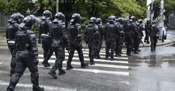 Ezúttal erélyesen fellépett a tüntetőkkel szemben a rendőrség – nem lesz útblokád