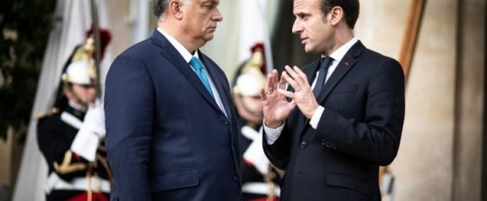 Macron már nem harcol Orbánnal