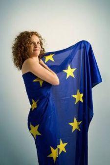 Kitiltották Lovast az EP-ből, mert palesztin gyerekek vérét jelképező folyadékot akart átadni egy liberális képviselőnőnek