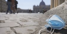 Négy külföldit bírságolt meg a rendőrség – nem volt rajtuk maszk