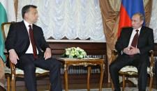 Giró-Szász: hiba lenne, ha a kormányfő visszautasítaná Putyin meghívását