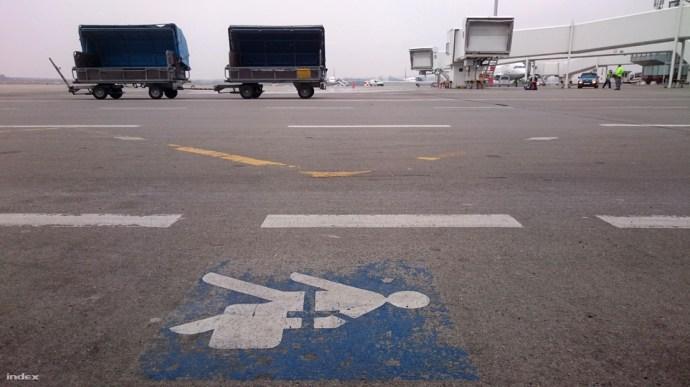Így fosztják ki a csomagokat a Liszt Ferenc repülőtéren – kivéve, ha zsidó az utas
