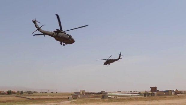 Amerikai helikopterekről látják el az Iszlám Állam terroristáit utánpótlással Irakban