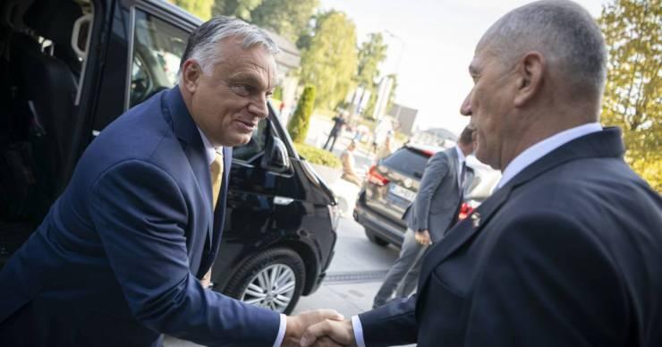 Orbán Viktor Szlovéniába utazott csúcstalálkozóra és egy vásár megnyitójára