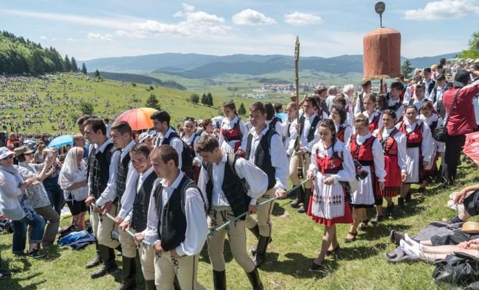 A viszálykodás megszüntetésére és összefogásra szólított fel Veres András püspök Csíksomlyón