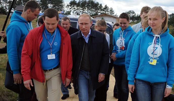 """Putyin: Az ukrán parancsnokság úgy döntött, hogy harc nélkül nem engedi ki harcosait a """"katlanból"""""""