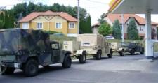 Amerikai katonai konvoj Miskolcon