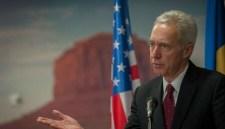Nagy a baj az USA romániai nagykövetségén is, de a vízumokat még kiadják