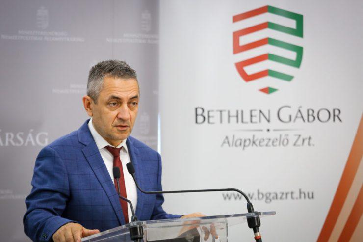 Potápi Árpád János: Megjelentek a Szülőföldön magyarul program idei felhívásai