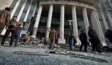 Pokolgép robbant a bíróság épülete előtt