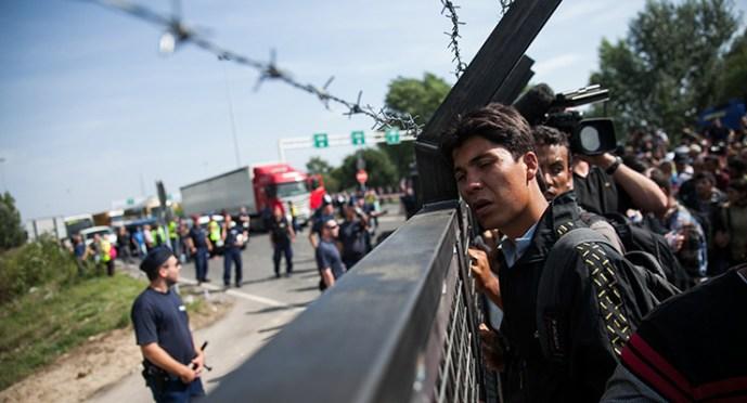 Már az EU biztos is elismerte: az uniós bevándorláspolitika megbukott