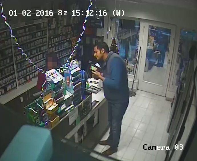 Ezt a lopós szőke herceget keresi a büki rendőrség