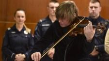 Lajkó Félix visszakapta hegedűjét – nem nehéz kitalálni, mi történt