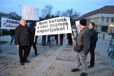 Nácizó agyhalottakat vezényeltek ki Bugárék a Jobbik dunaszerdahelyi fórumára